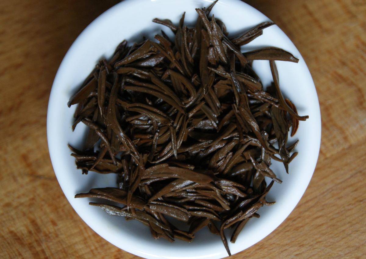 Die aufgegossenen Blätter des Jinjunmei